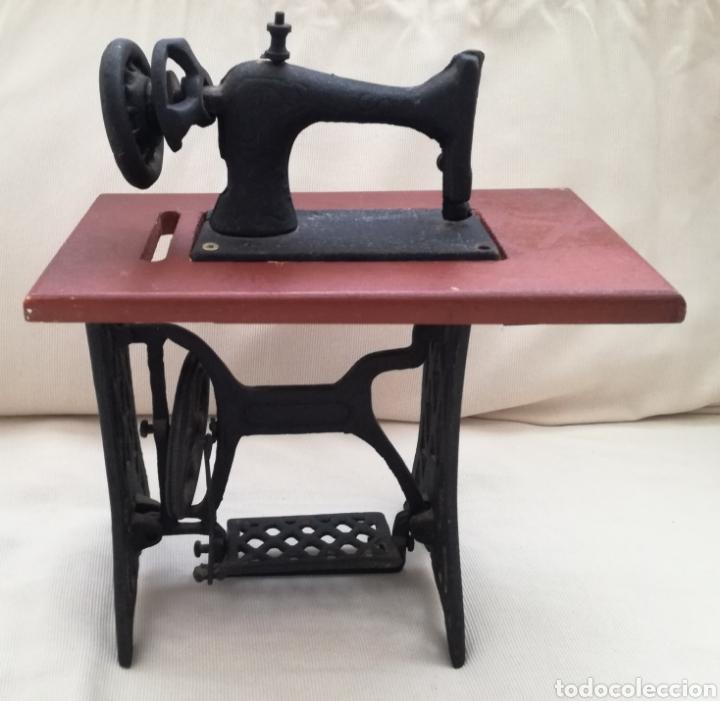 Modelos a escala: Maquina de Coser Juguete. - Foto 2 - 122213268