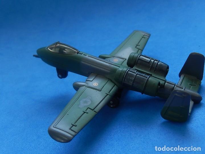 Modelos a escala: Pequeño avión. A-10 Fairchild Thunderbolt. Matchbox. SB 32. 1989. Fabricado en Macau. - Foto 7 - 129547459