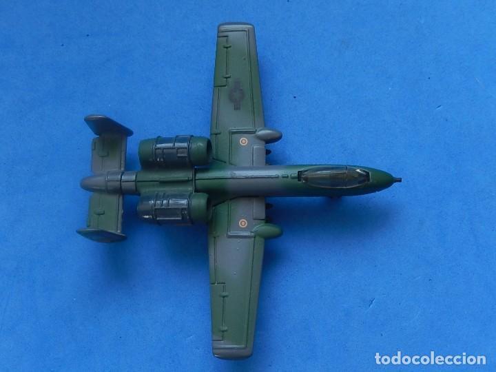 Modelos a escala: Pequeño avión. A-10 Fairchild Thunderbolt. Matchbox. SB 32. 1989. Fabricado en Macau. - Foto 15 - 129547459