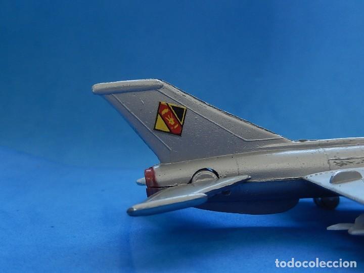 Modelos a escala: Pequeño avión. MIG-21. Fabricado en Hong Kong. - Foto 5 - 129673011