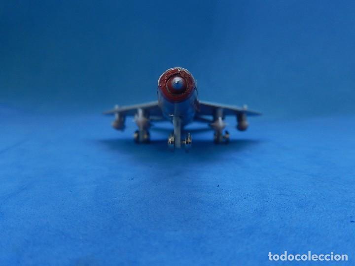 Modelos a escala: Pequeño avión. MIG-21. Fabricado en Hong Kong. - Foto 7 - 129673011