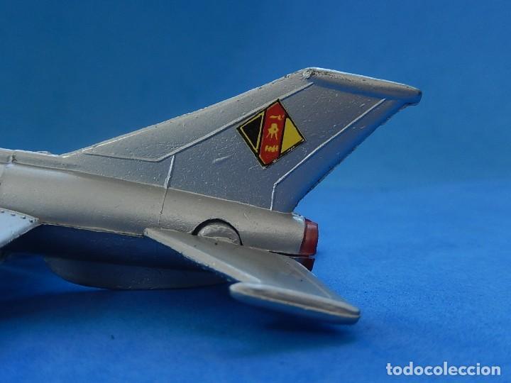 Modelos a escala: Pequeño avión. MIG-21. Fabricado en Hong Kong. - Foto 13 - 129673011