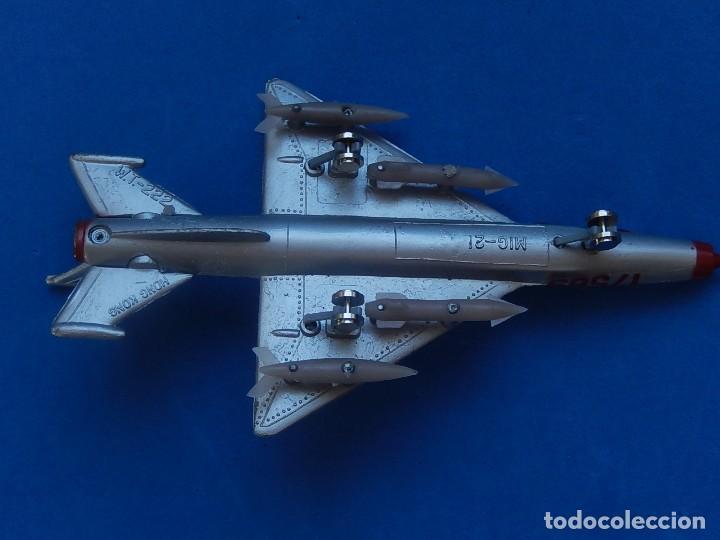 Modelos a escala: Pequeño avión. MIG-21. Fabricado en Hong Kong. - Foto 22 - 129673011