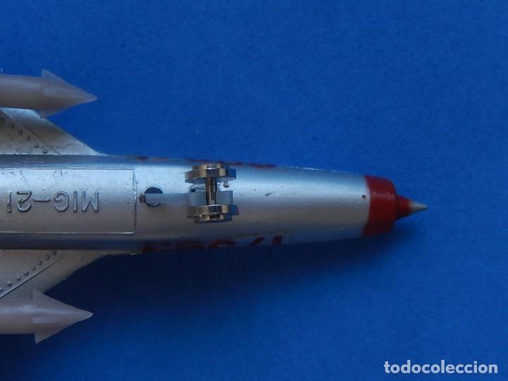 Modelos a escala: Pequeño avión. MIG-21. Fabricado en Hong Kong. - Foto 26 - 129673011