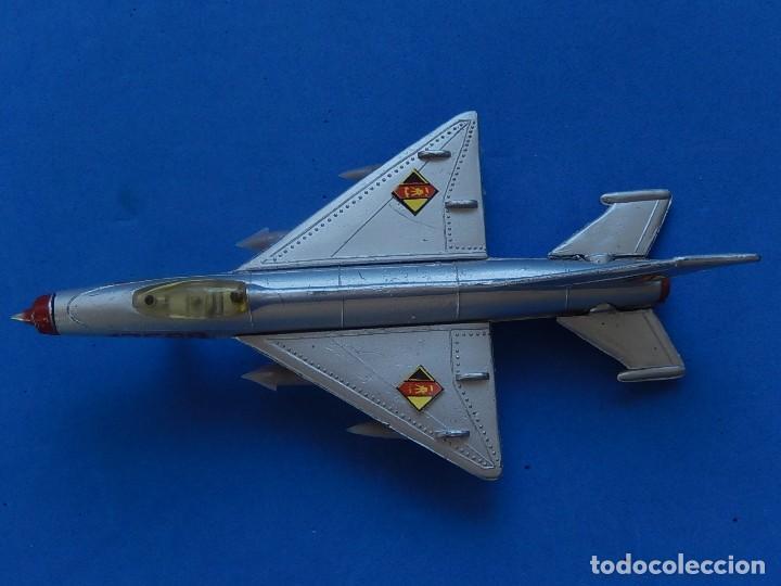 Modelos a escala: Pequeño avión. MIG-21. Fabricado en Hong Kong. - Foto 30 - 129673011