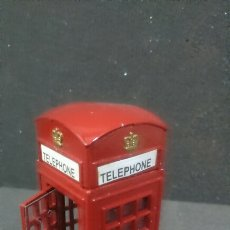 Modelos a escala: CABINA TELÉFONO LONDRES DE METAL PHONE BOX LONDON. Lote 131870445