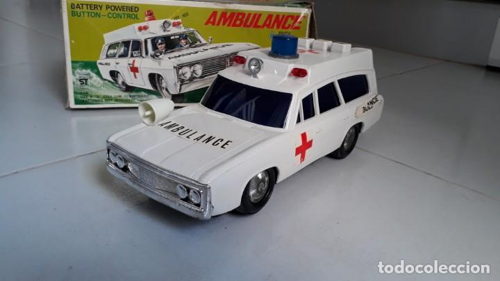 Modelos a escala: Coche de juguete antiguo ambulancia trade mark alps toy car ambulance made in japan años60 seat 1400 - Foto 2 - 133568830