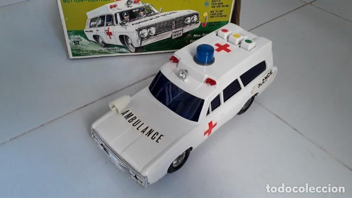 Modelos a escala: Coche de juguete antiguo ambulancia trade mark alps toy car ambulance made in japan años60 seat 1400 - Foto 3 - 133568830