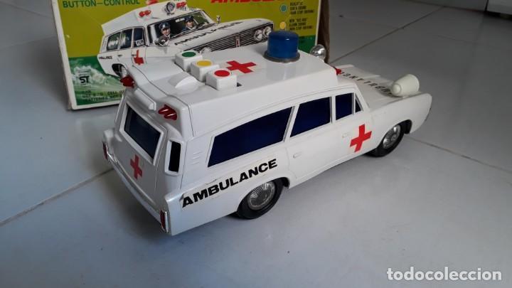 Modelos a escala: Coche de juguete antiguo ambulancia trade mark alps toy car ambulance made in japan años60 seat 1400 - Foto 4 - 133568830