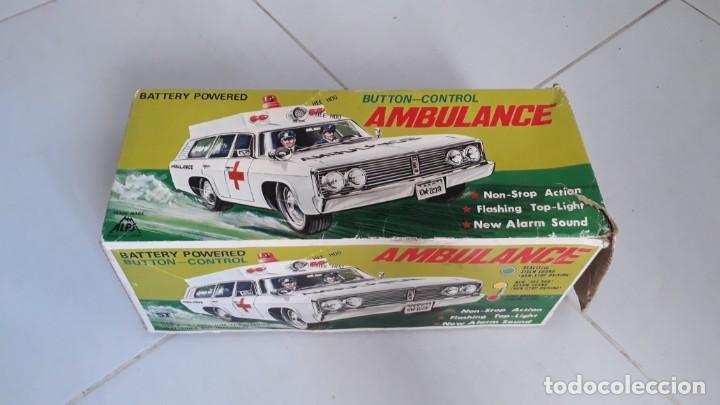 Modelos a escala: Coche de juguete antiguo ambulancia trade mark alps toy car ambulance made in japan años60 seat 1400 - Foto 8 - 133568830
