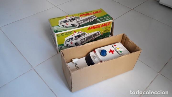 Modelos a escala: Coche de juguete antiguo ambulancia trade mark alps toy car ambulance made in japan años60 seat 1400 - Foto 10 - 133568830