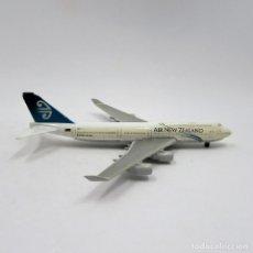 Modelos a escala: SCHABAK 921/79 BOEING 747-400 AIR NEW ZEALAND DIE CAST METAL ESCALA 1/600 (2365). Lote 143548350