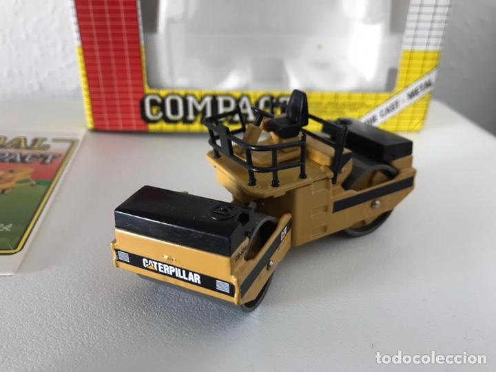 Modelos a escala: Preciosa máquina compactadora CAT Joal 1:50 - Foto 2 - 145601622