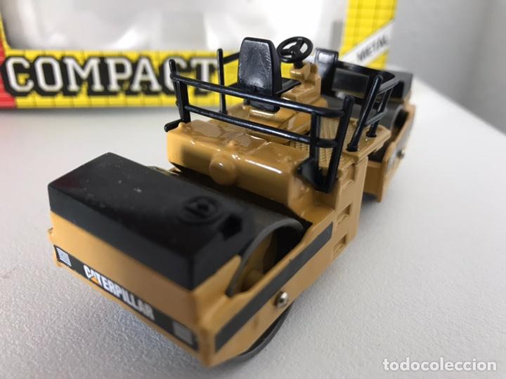 Modelos a escala: Preciosa máquina compactadora CAT Joal 1:50 - Foto 10 - 145601622