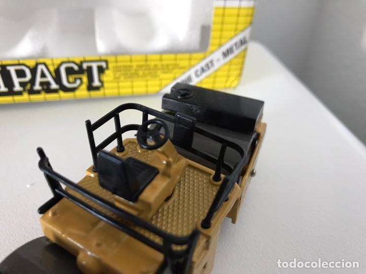 Modelos a escala: Preciosa máquina compactadora CAT Joal 1:50 - Foto 11 - 145601622