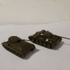 Modelos a escala: EKO DOS TANQUES RUSOS T 34 Y T54 SIN CAJA. Lote 150087664