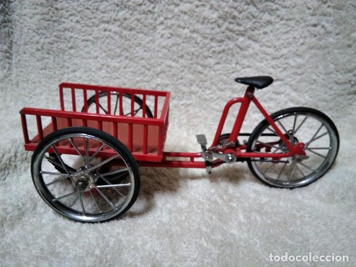 Modelos a escala: precioso triciclo con carrito - Foto 2 - 150981394