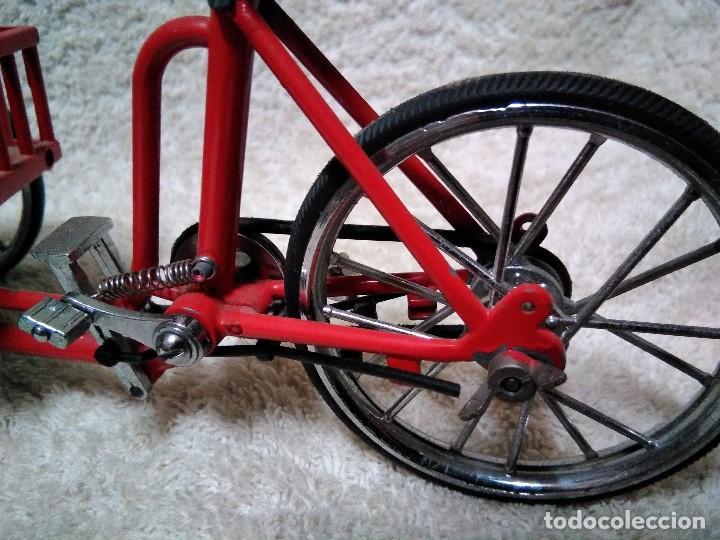 Modelos a escala: precioso triciclo con carrito - Foto 3 - 150981394