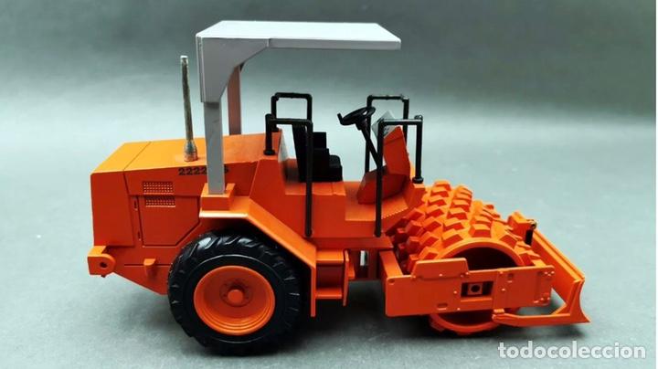 Modelos a escala: Preciosa máquina rodillo vibratorio HAMM 2222 NZG 1:25 - Foto 3 - 155322925