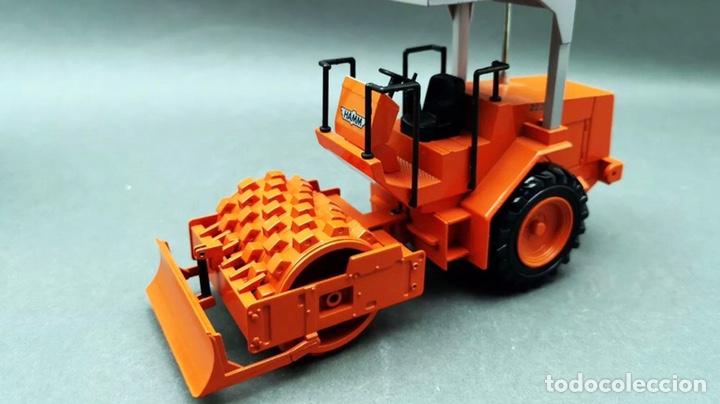 Modelos a escala: Preciosa máquina rodillo vibratorio HAMM 2222 NZG 1:25 - Foto 7 - 155322925