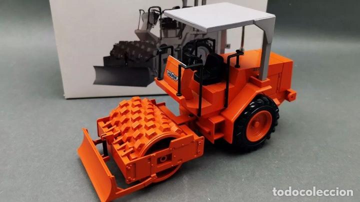 Modelos a escala: Preciosa máquina rodillo vibratorio HAMM 2222 NZG 1:25 - Foto 8 - 155322925