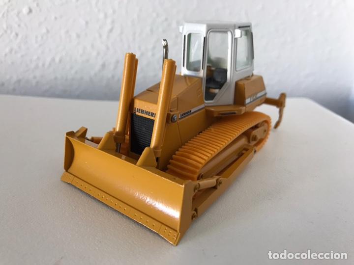 Modelos a escala: Preciosa máquina Bulldozer LIEBHERR 722 Conrad 1:50 - Foto 2 - 160696309