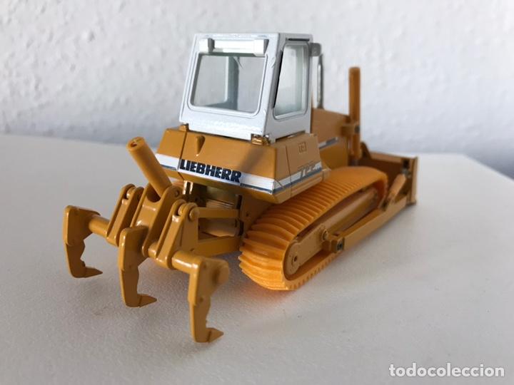 Modelos a escala: Preciosa máquina Bulldozer LIEBHERR 722 Conrad 1:50 - Foto 6 - 160696309