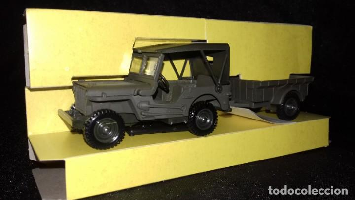 Modelos a escala: Jeep Willis avec remolque - Foto 2 - 166995112