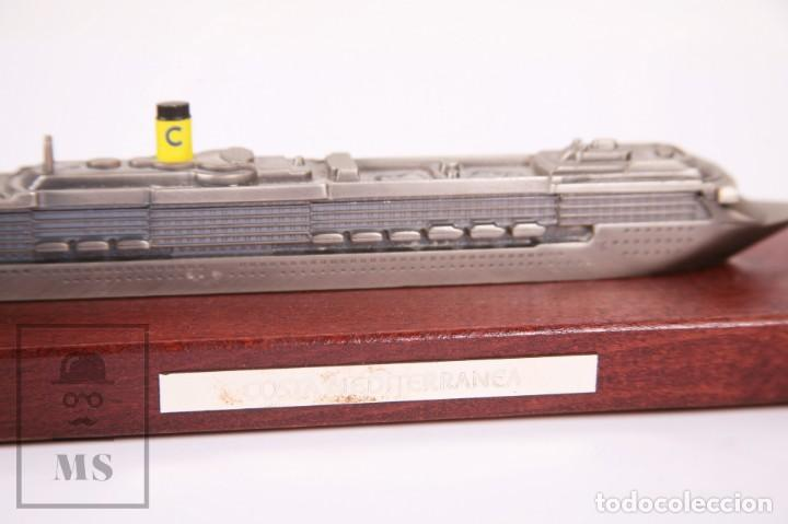 Modelos a escala: Maqueta a Escala - Barco Crucero Costa Mediterránea - Metal Sobre Base de Madera -Med. 23 x 7 x 6 cm - Foto 2 - 171086649