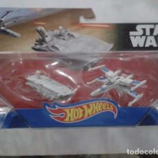 Modelos a escala: HOT WHEELS STAR WARS: THE FORCE AWAKENS FIRST ORDER TRANSPORTER VS. X-WING FIGHTER STARSHIP.. Lote 175757035