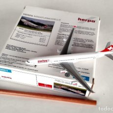 Modelos a escala: HERPA WINGS 1:500 • AIRBUS A340-300 SWISS AIRLINES (HB-JMF) • METÁLICO 1/500. Lote 179046553