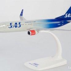 Modelos a escala: PRECIOSO AVIÓN BOEING 737 SAS HERPA 1:200. Lote 179054176