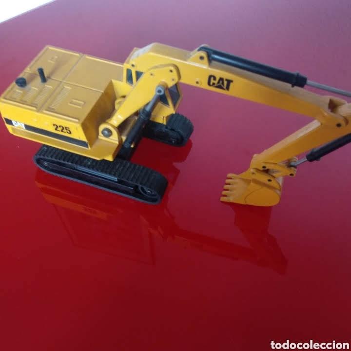 Modelos a escala: Retroexcavadora joal 225 cat - Foto 2 - 181394313