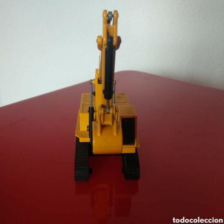 Modelos a escala: Retroexcavadora joal 225 cat - Foto 3 - 181394313