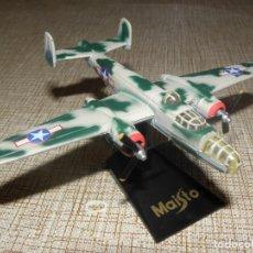 Modelos a escala: MAISTO - AVIÓN / BOMBARDERO BOEING B-25J MITCHELL A ESCALA 1/120. Lote 182541643
