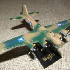 Modelos a escala: AVIÓN B-17G MAISTO . Lote 182542457