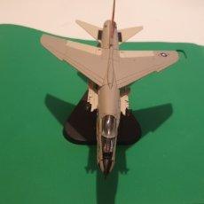 Modelos a escala: AVIÓN F - 8 CRUSADER USA ALTAYA METALICO ESCALA 1/72. Lote 195154476