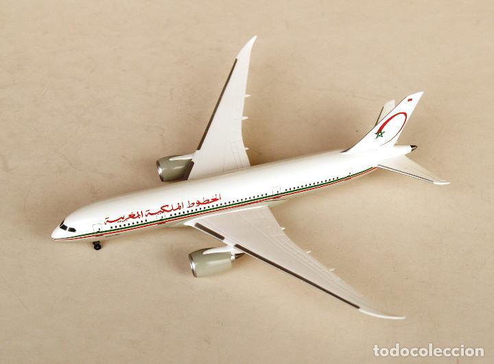 Modelos a escala: DRAGON Wings 1:400 • BOEING 787-8 Royal Air Maroc • Metálico 1/400 - Foto 3 - 195247155