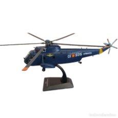 Modelos em escala: AGUSTA SH-3D SEA KING AS-61 ARMADA ESPAÑOLA 1:72 HELICOPTERO DIECAST. Lote 199377693