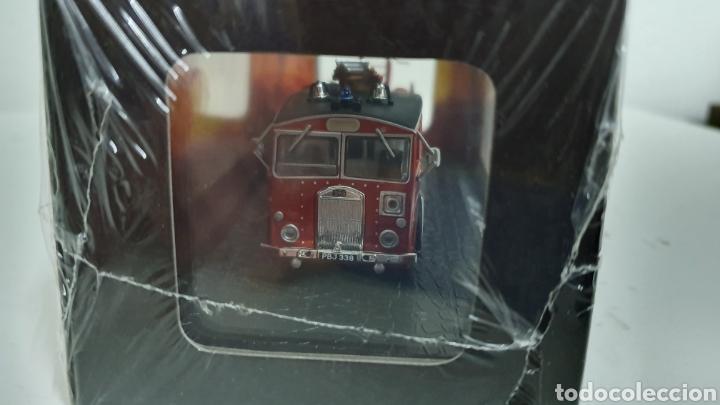 Modelos a escala: Camión de bomberos Dennis F12. - Foto 2 - 202694477