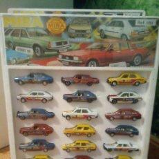 Modelli in scala: BLIXTER EXPOSITOR CON 24 COCHES DE MIRA SEAT 131 SEAT 128 FORD FIESTA MITICOS COCHES DE METAL 1970.. Lote 204310550