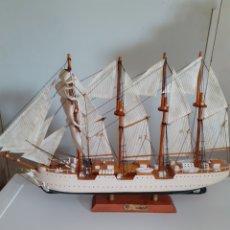 Modelli in scala: MAQUETA DEL JUAN SEBASTIÁN DE ELCANO, MIDE 52X32 CM, TIENE SU CAJA. Lote 205559906