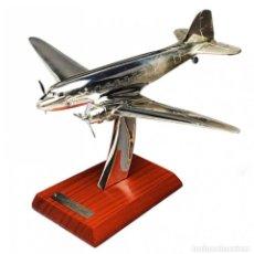 Modelli in scala: DOUGLAS DC-3 1935 1:200 AVION PLANE SILVER CLASSIC ATLAS. Lote 210817544