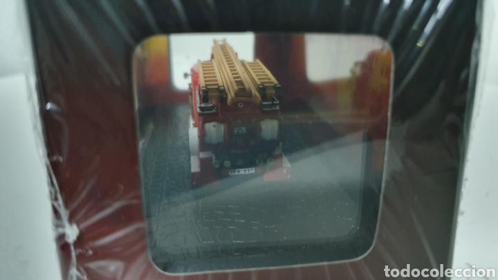Modelos a escala: Camión bomberos Volvo B 11. - Foto 3 - 212464025