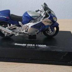 Modelos em escala: MAQUETA RÉPLICA DE MOTO SUZUKI GSX 1300R. Lote 216618010