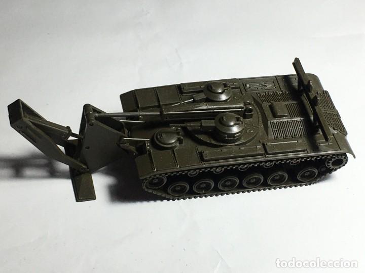 VEICHULO MILITAR ROCO M48A1 DBGM (Juguetes - Modelos a escala)