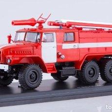 Modelos a escala: CAMIÓN BOMBEROS RUSO URAL AC-40 (URAL-43202) PM-102B ,1:43 MARCA SSM1232 NUEVO PRECINTADO DE FÁBRICA. Lote 221226768