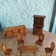 Modelli in scala: MUEBLES ANTIGUOS DE CASA DE MUÑECAS MADERA.. Lote 223712941