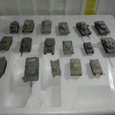 Modelos a escala: LOTE DE 17 CARROS DE COMBATE - METALICOS - 1/72 -. Lote 226217490