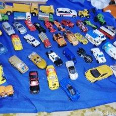 Modelos a escala: LOTE DE 51 COCHES DE METAL VARIAS MARCAS... Lote 228176000